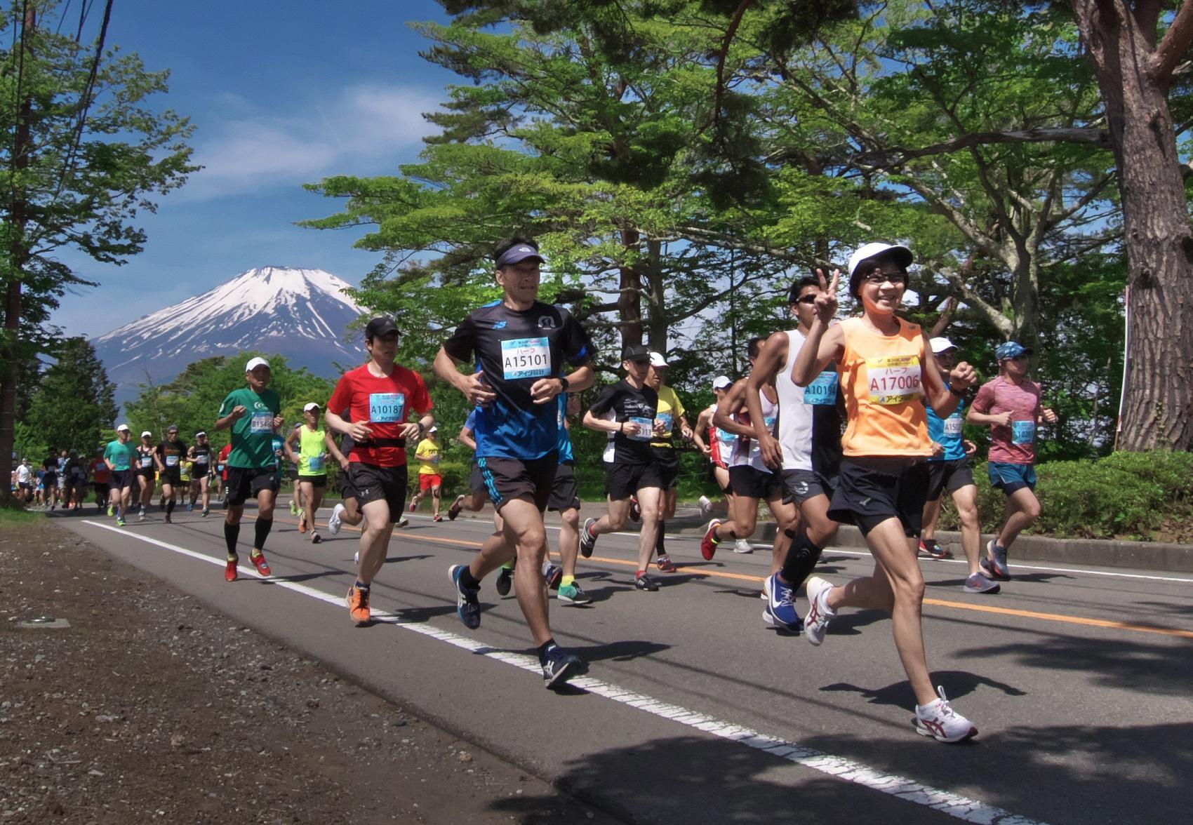 ランナー必見!富士山絶景を眺める 山中湖ロードレース開催