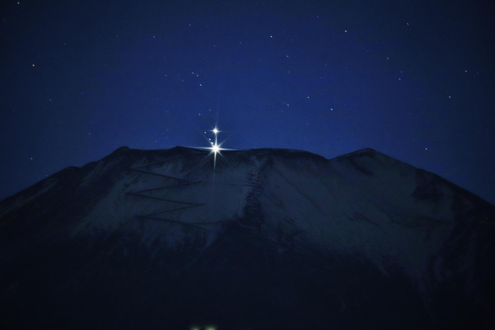 澄んだ空気の山中湖で星空観察-0