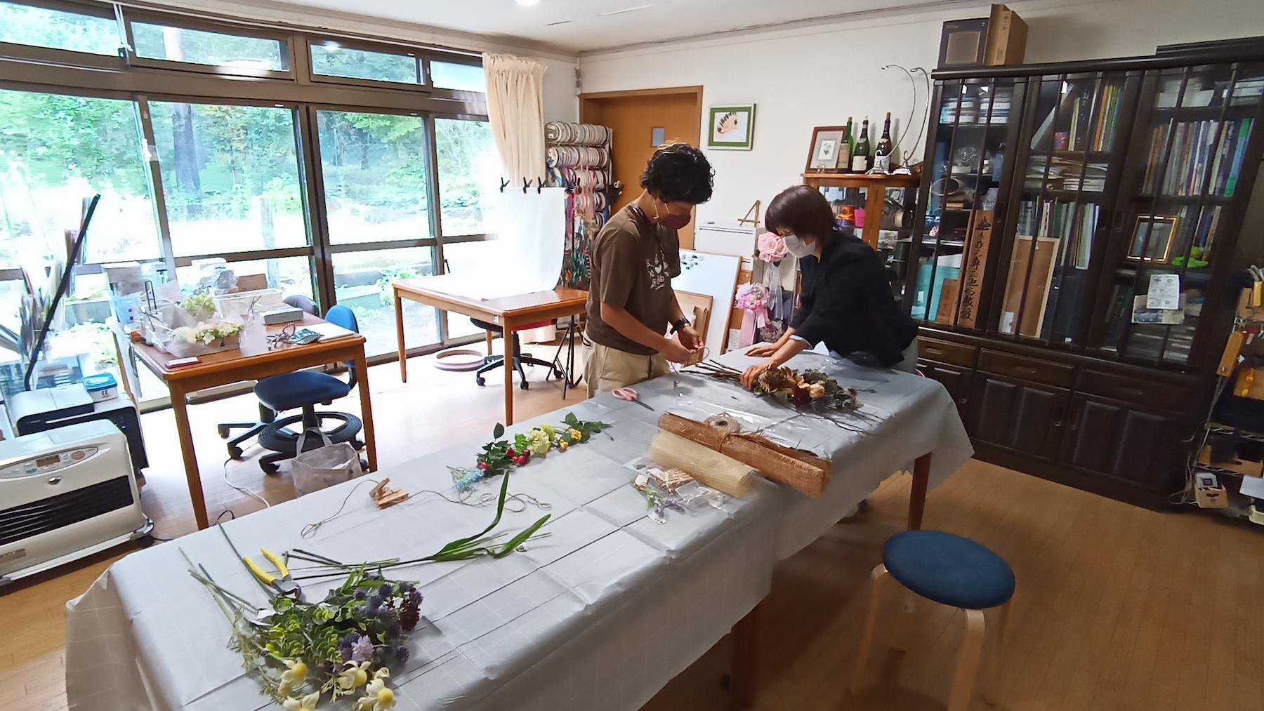 花の講師に習う!はじめてのスワッグ作り-1